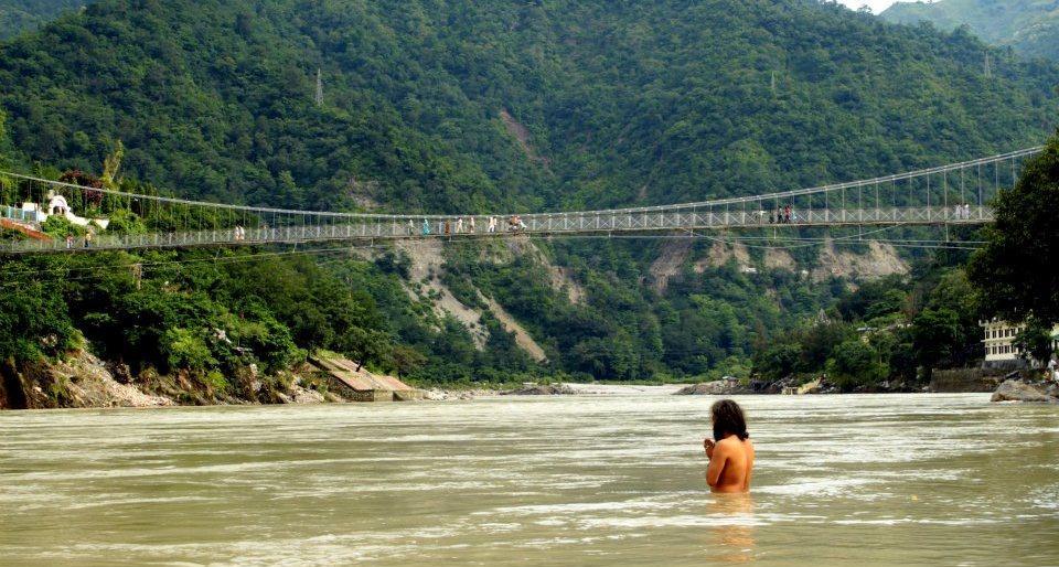 Rishikesh: Yoga, Religion und Wandern am Ganges.