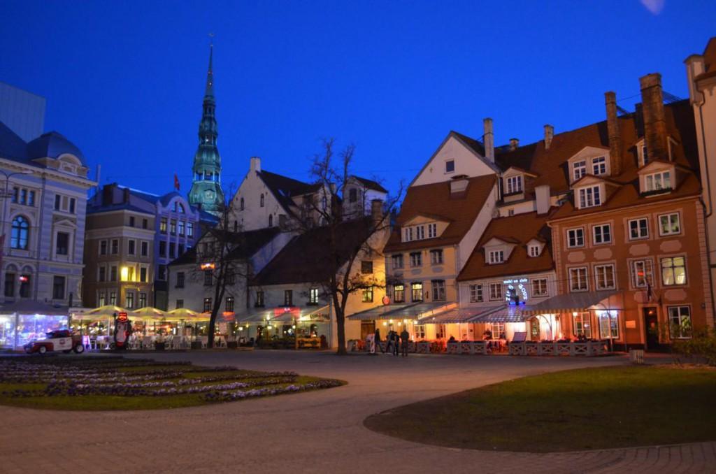 Pubtour durch Riga: Nach Dämmerung geht das Leben in Riga erst so richtig los!