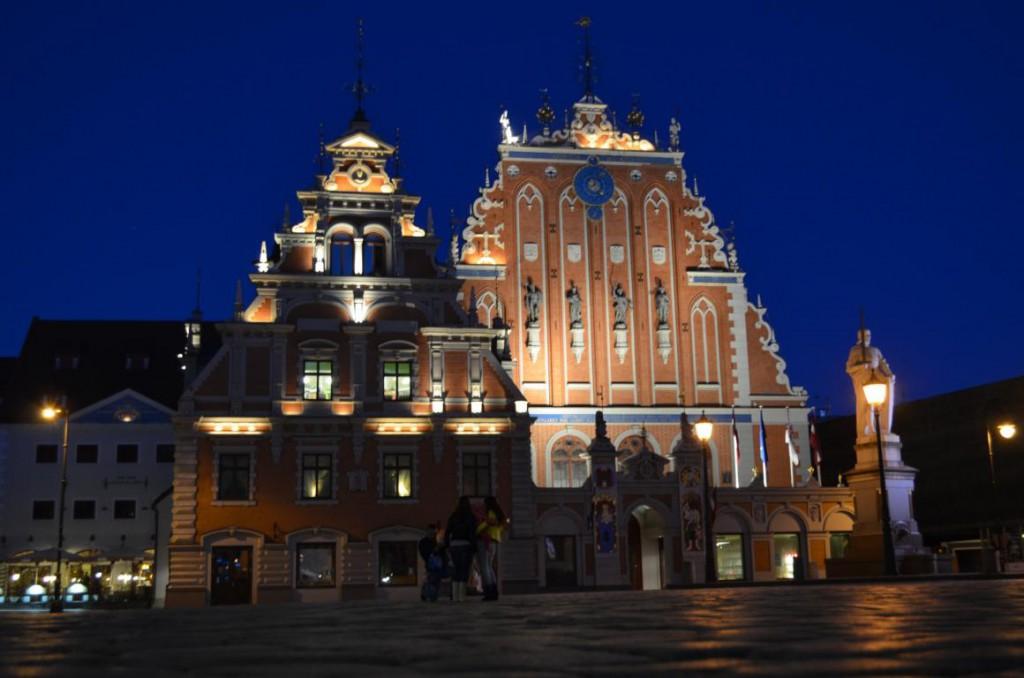 Schwarzhäupterhaus by night: Foto-Safari durch das nächtliche Riga.