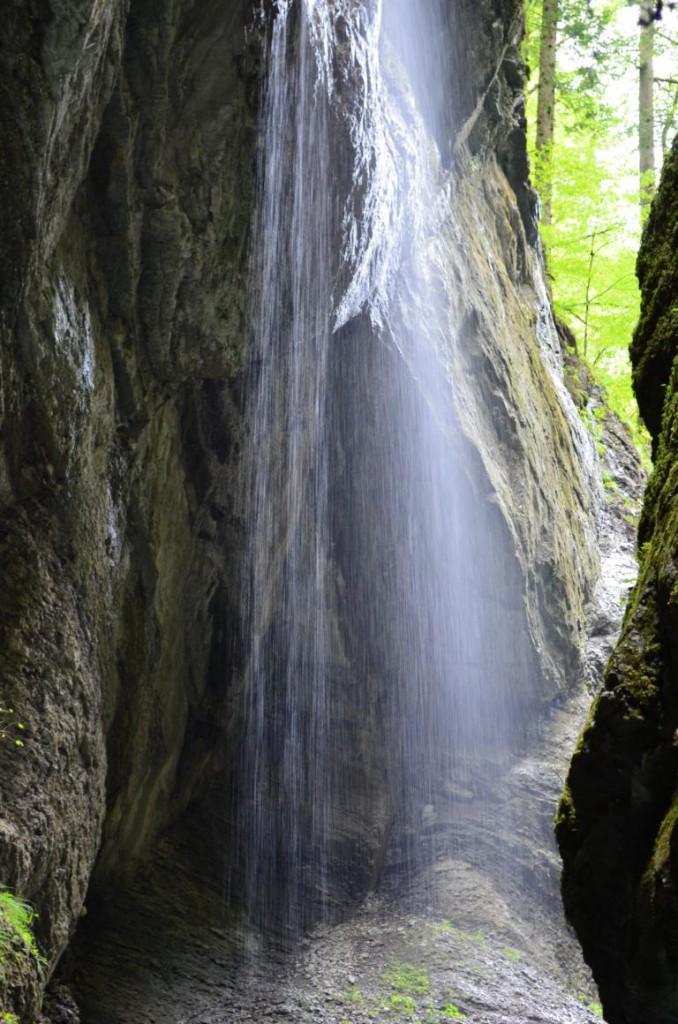 Entlang der Partnachklamm gibt es mehrere Wasserfälle zu bestaunen