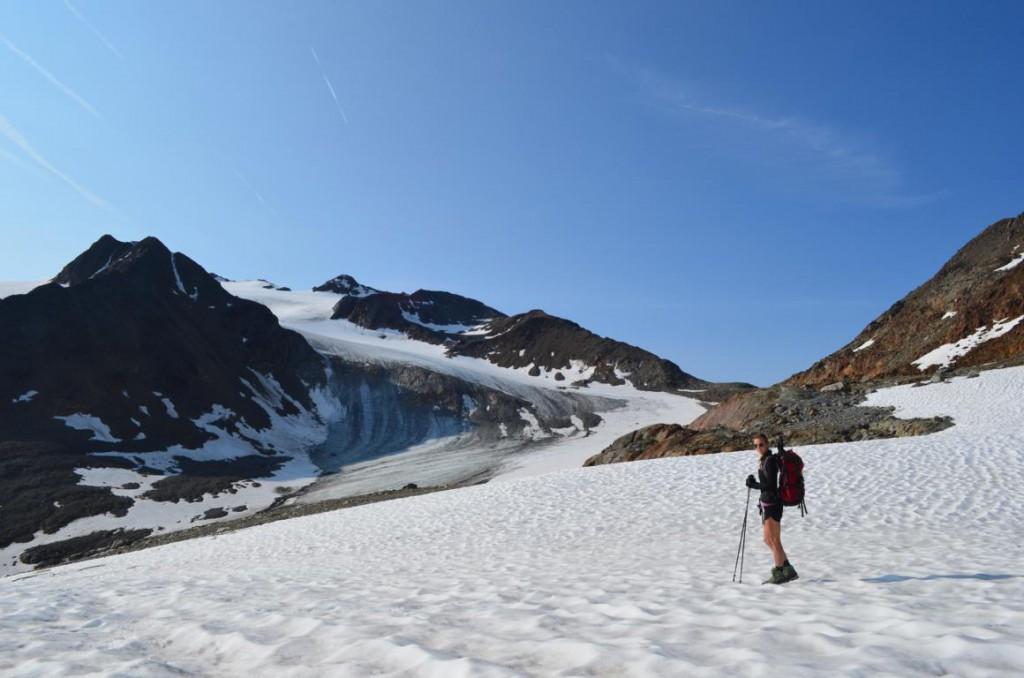 Für jedes Wetter gewappnet sein: Das Wetter in den Alpen schläft schnell um: Gewitter, Nebel, Schnee und Co. gibt's auch immer Sommer!
