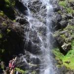 Meraner Höhenweg: Vorbei an Bauenrhöfen und Wasserfällen.