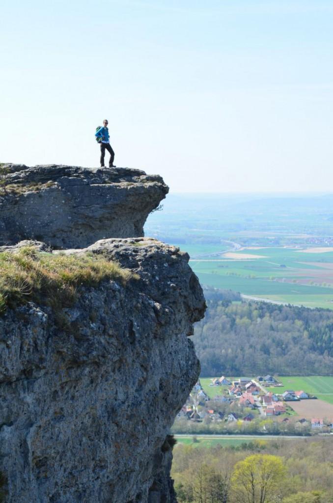 Das Wahrzeichen Frankens: Der Staffelberg bei Bad Staffelstein.