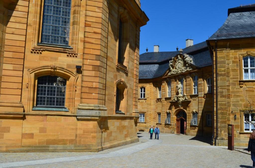 Innenhof der Frankenbasilika Vierzehnheiligen. Unbedingt einen Blick in die Basilika werfen!