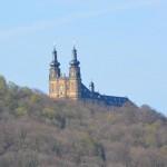Hoch über Bad Staffelstein thront das Kloster Banz.