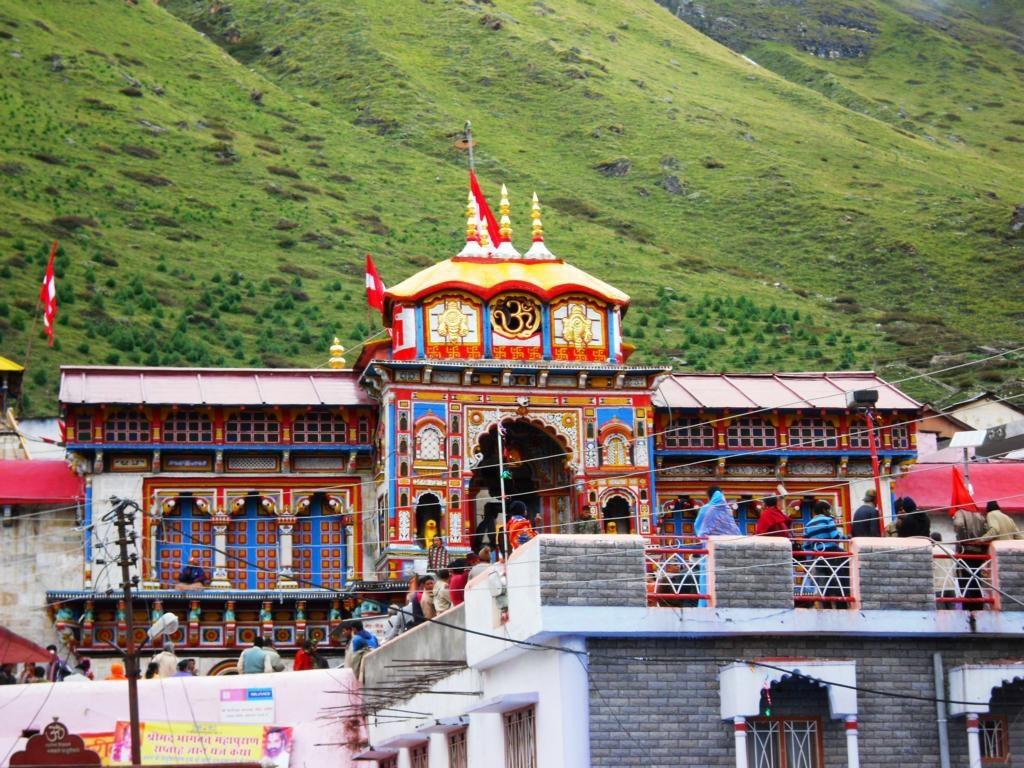 Farbenfroh und bedeutend: Der Badrinarayan-Tempel in Badrinath.
