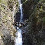 Kleine Erfrischung: Wasserfall im Dschungel von Peru.
