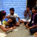 Kinder beim Spielen in Jaisalmers Straßen