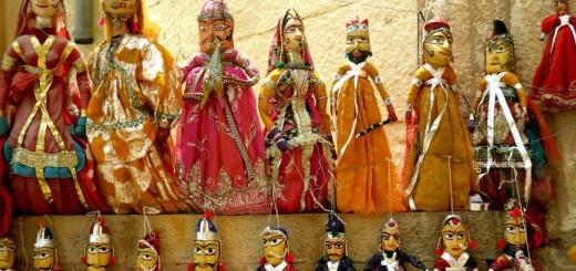 Puppen auf den Märkten der Wüstenstadt Jaisalmer