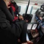 Schlafen im indischen Zugabteil