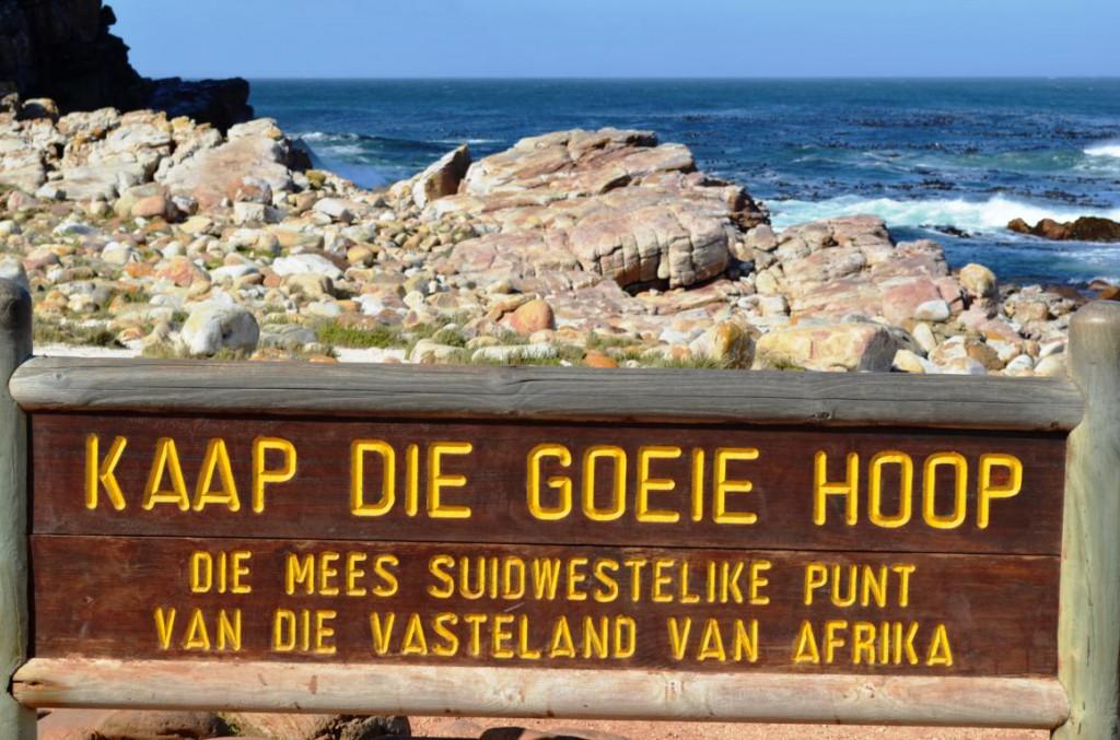 Eine Wanderung am Kap der guten Hoffnung gehört zu den Highlights in Südafrika. Vorsicht vor den Pavianen!