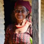 Dorfbewohnerin in der Annapurna Region Nepal