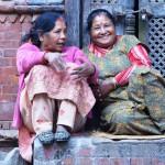 Straßenszenen - Frauen in Bhaktapur Nepal