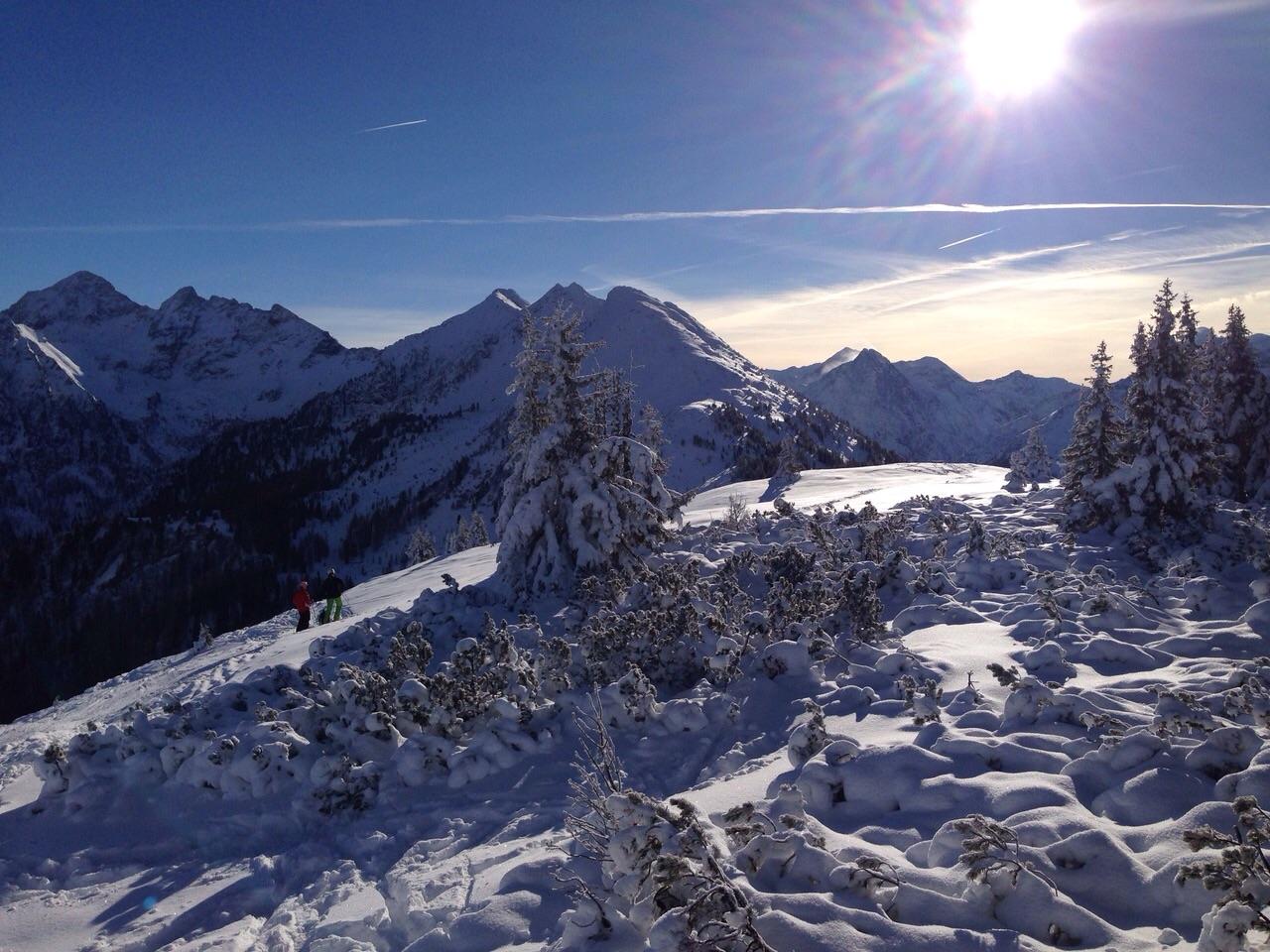 Winterwonderland: Schneebedeckte Gipfel und Sahnewetter!