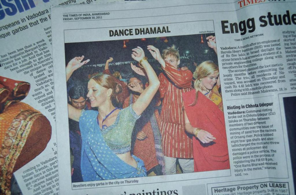 """Mein Lieblingsreisesouvenir: Ich auf dem Titelbild der """"Times Of India"""""""