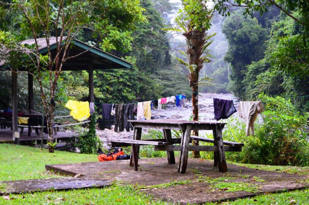 Camp 5: Übernachtungsplatz mitten im Regenwald von Borneo.