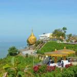 Der Goldene Felsen und seine Pagoden in Myanmar