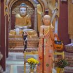 Atemberaubend schöner Tempel in Monywa