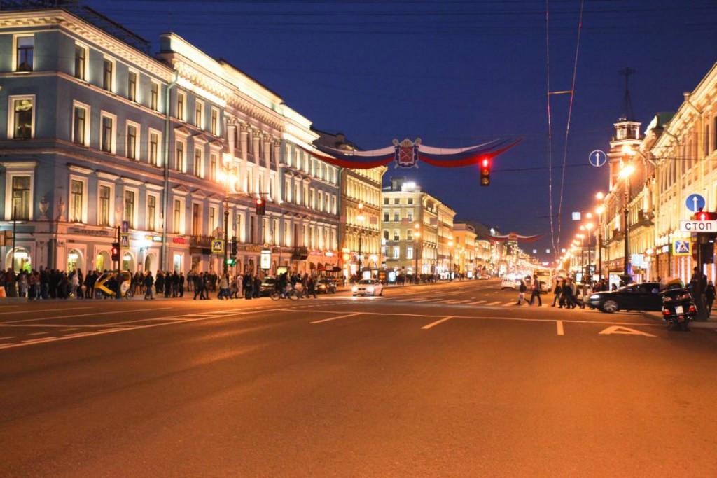Rund um den Nevsky Prospekt gibt es jede Menge gute, günstige und landestypische Restaurants - man muss nur wissen wo...