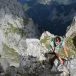 Jetzt nur nicht runtersehen! Finaler Aufstieg zum Steinfalk auf der Hüttenwanderung Karwendel.