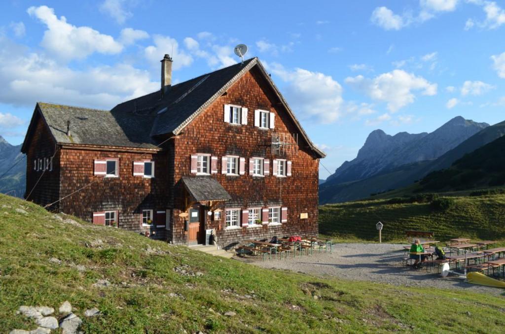 Die Falkenhütte im Karwendelgebirge.