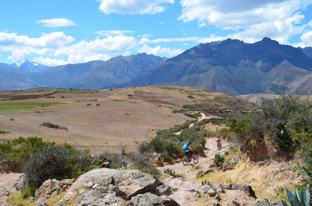 Mountainbike Tour im Heiligen Tal: Auf dem Weg nach Maras beginnt der Downhill Spaß!
