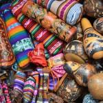 Souvenir gefällig? Einkaufen auf dem San Pedro Markt in Cusco.