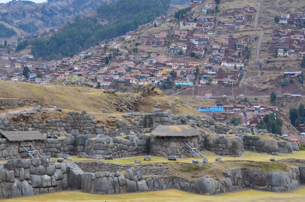Inka Ruinen Sacsayhuamán mit Blick auf Cusco: Die Aussicht lohnt!