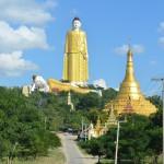 Einmaliger Anblick in Monywa: Zwei Riesenbuddhas.