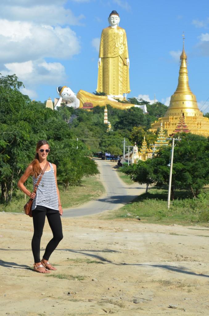 Zwei Riesenbuddhas im Nirgendwo: Lay Kyun Sat Kyar in Monywa.