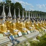 Pagodenfeld an der Aung Setkya Pagode in Monywa.