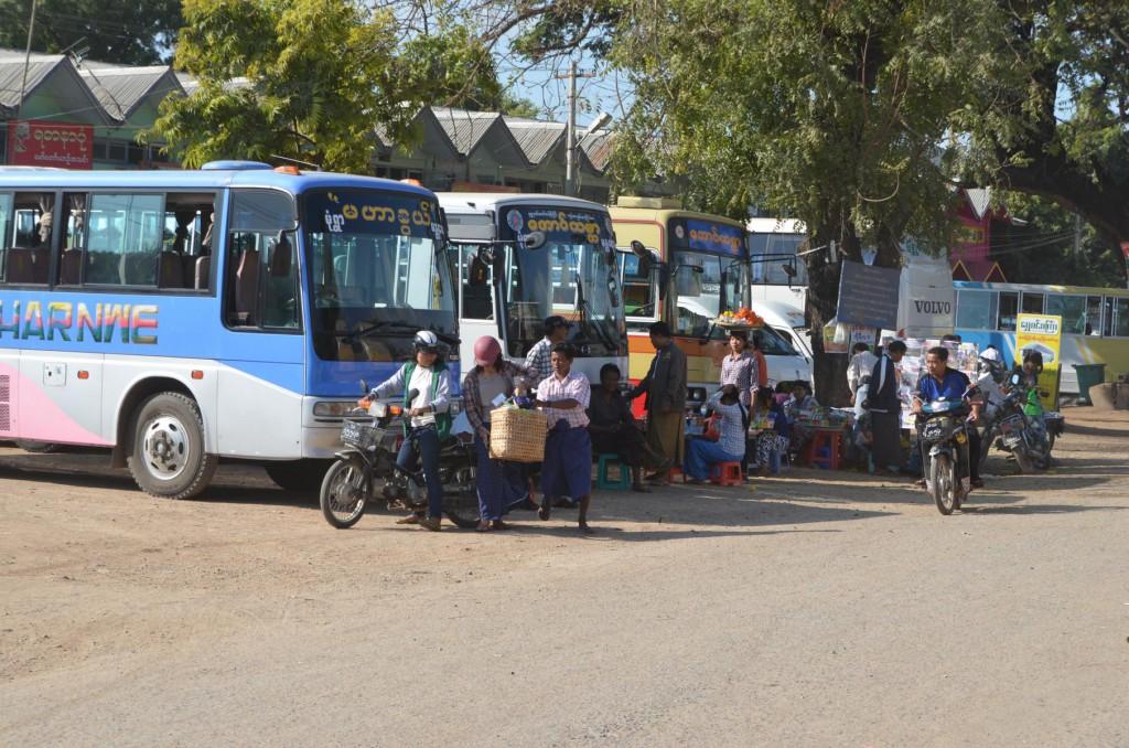 Busbahnhof in Myanmar: Wer suchet, der findet!
