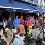 Lange warten: Die Pastéis de Belém sind sehr beliebt!