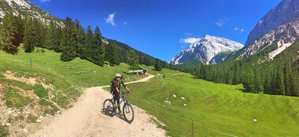 Bike and Hike im Karwendel: Zu Fuß und auf dem Rad durch die Alpen