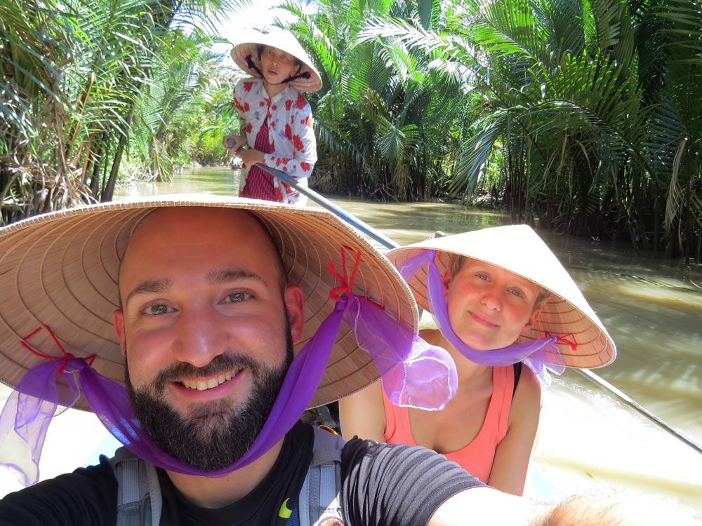 Als Paar um die Welt: Caro und Martin im Mekong Delta, Vietnam (© www.wetraveltheworld.de)