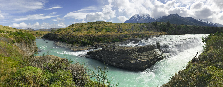 Außerhalb des W-Trails: Cascada Paine im Torres del Paine Nationalpark.