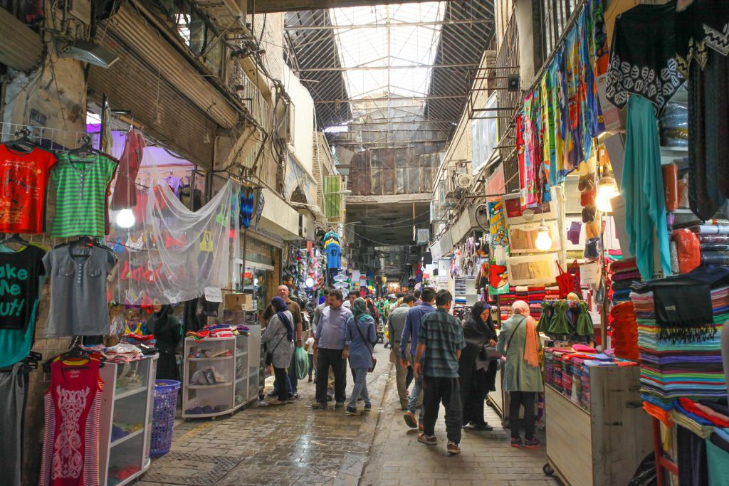 Tehran Basar: Turbulent, und chaotisch. Hier bekommst du wirklich (!) alles zu kaufen!