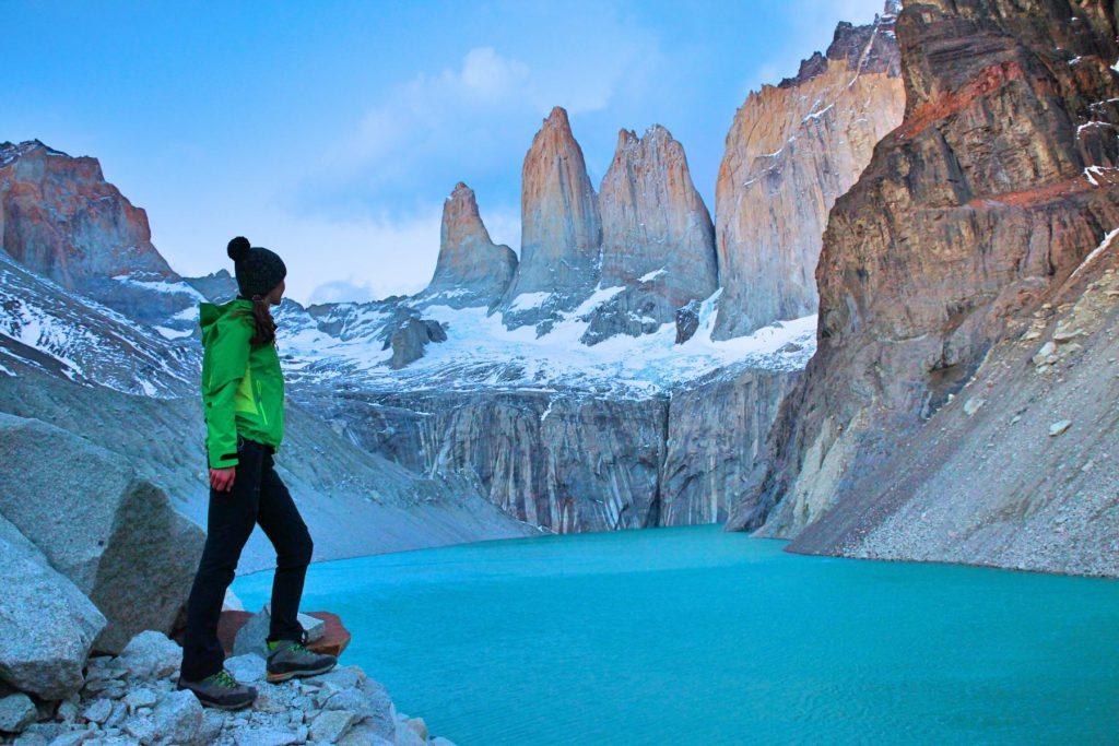 Zeitig Aufstehen ist beim Trekking im Torres del Paine Nationalpark Alltag, um die Berge bei Sonnenaufgang zu sehen.