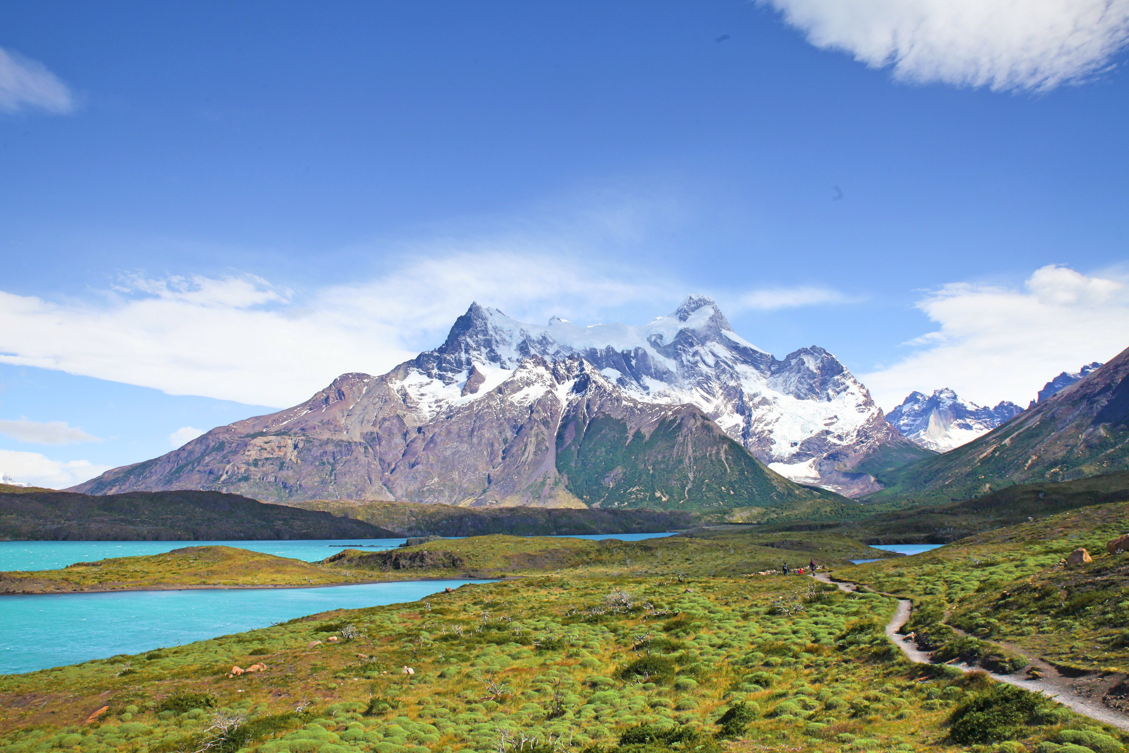 Mirador Cuernos: Blick auf die markanten Granit Gipfel.