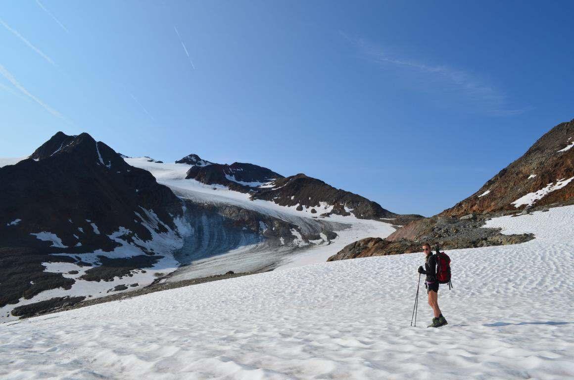 Auf dem Weg zur Ötzi Fundstelle: Schnee im Juli.