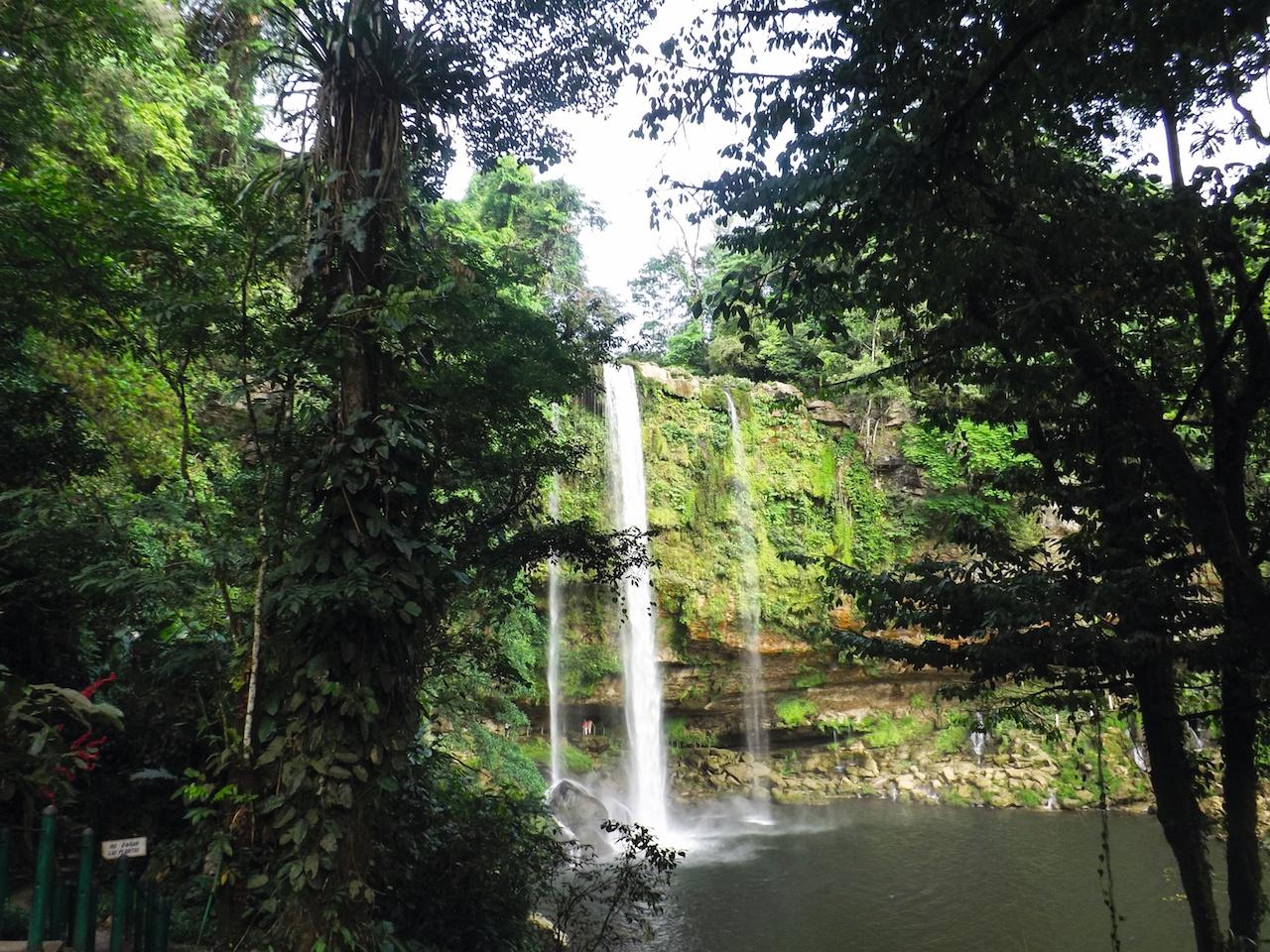 Wasserfall in Mexiko: Auf einer Rundreise durch die Maya Hochburg kommen auch Naturliebhaber voll und ganz auf ihre Kosten!
