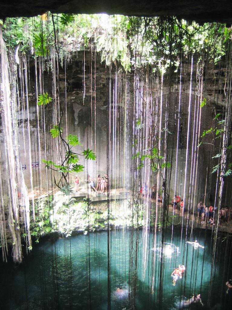 Cenote Ik ill: Badespaß in den mit Süßwasser gefüllten Kalksteinlöchern von Mexiko.