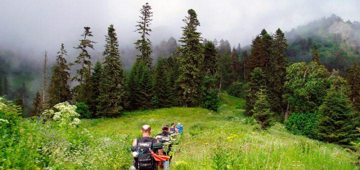 Camping im Kaukasus: Die schönsten Campingplätze in Armenien und Georgien
