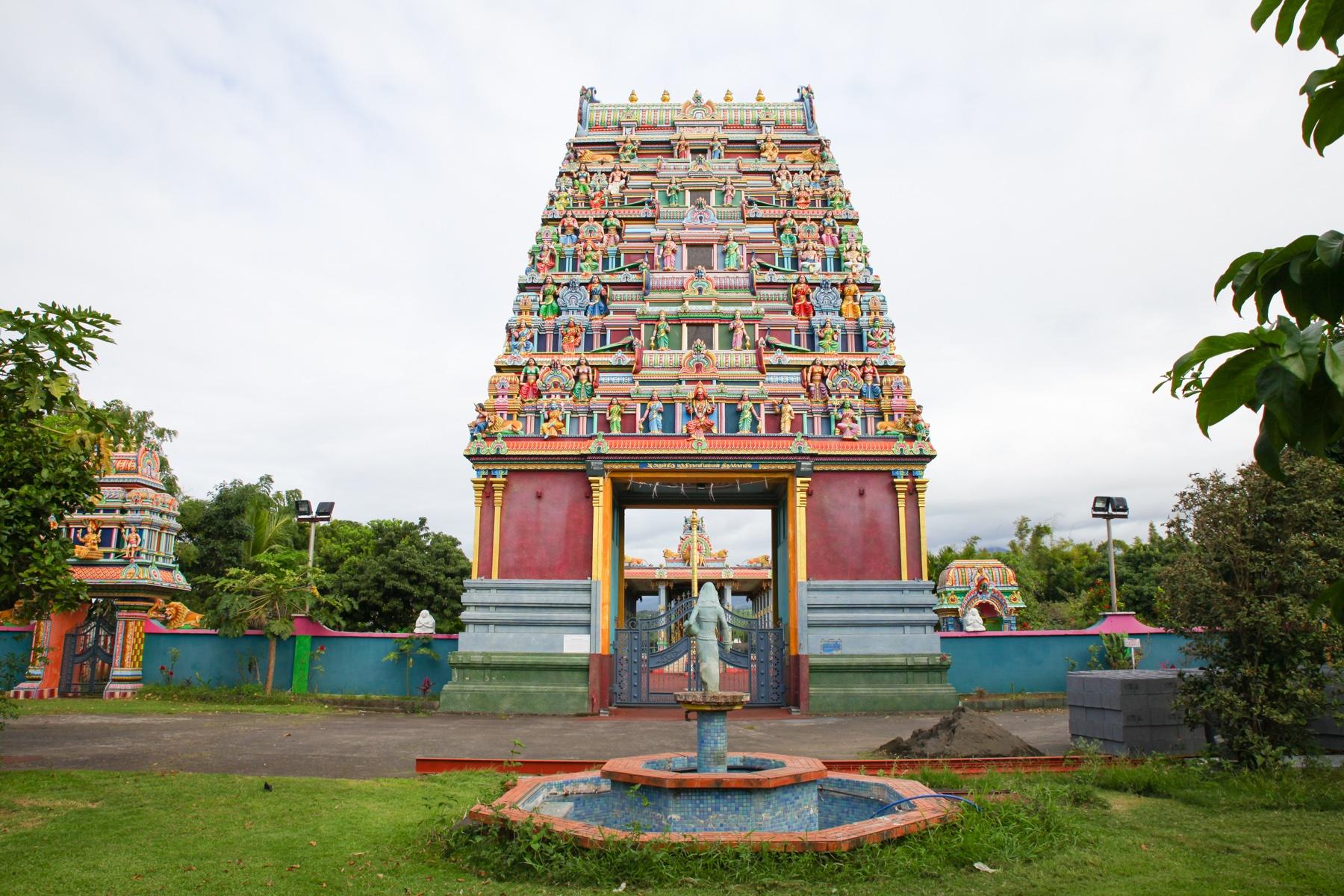 La Réunion ist ein wahrer Schmelztiegel der Kulturen. Die tamilischen Tempel findest du überall auf der Insel.
