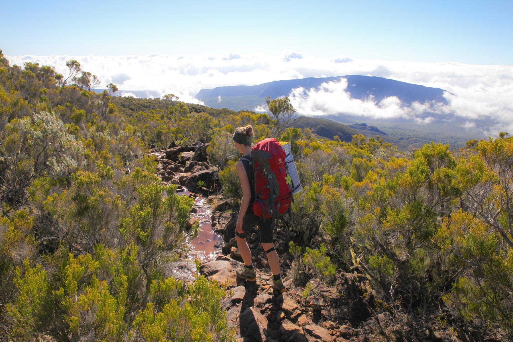 Wandern auf La Réunion: Ab Mittag ziehen die Wolken in die Berge.