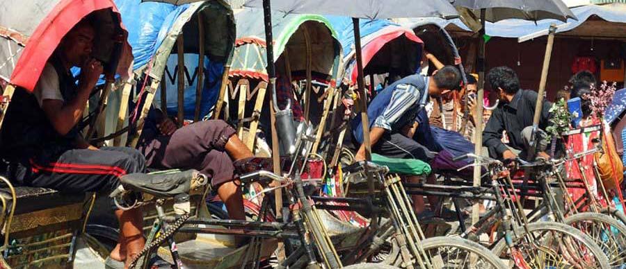 Auf deiner ersten Nepal Reise solltest du im Straßenverkehr besonders vorsichtig sein, es geht chaotisch zu!