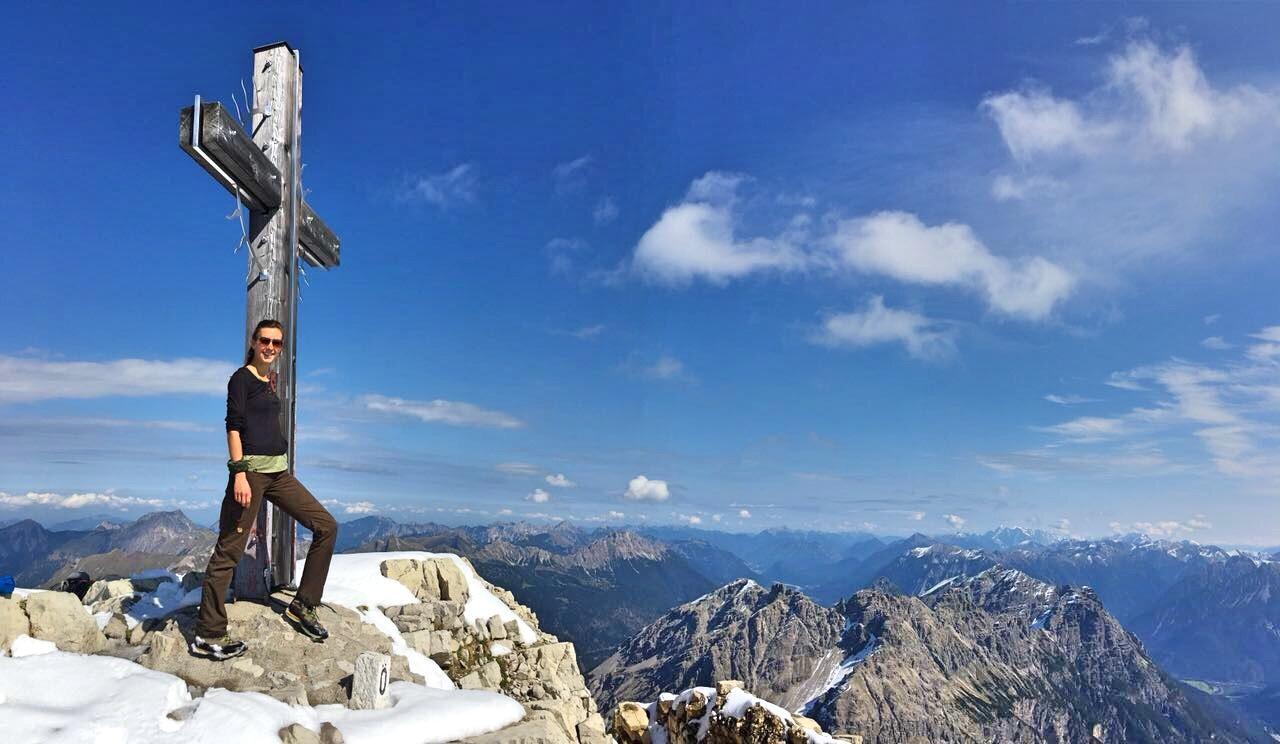 Bergtour Hochvogel: Gipfelglück nach spannender Wanderung, ein absolutes Highlight in den Allgäuer Alpen.