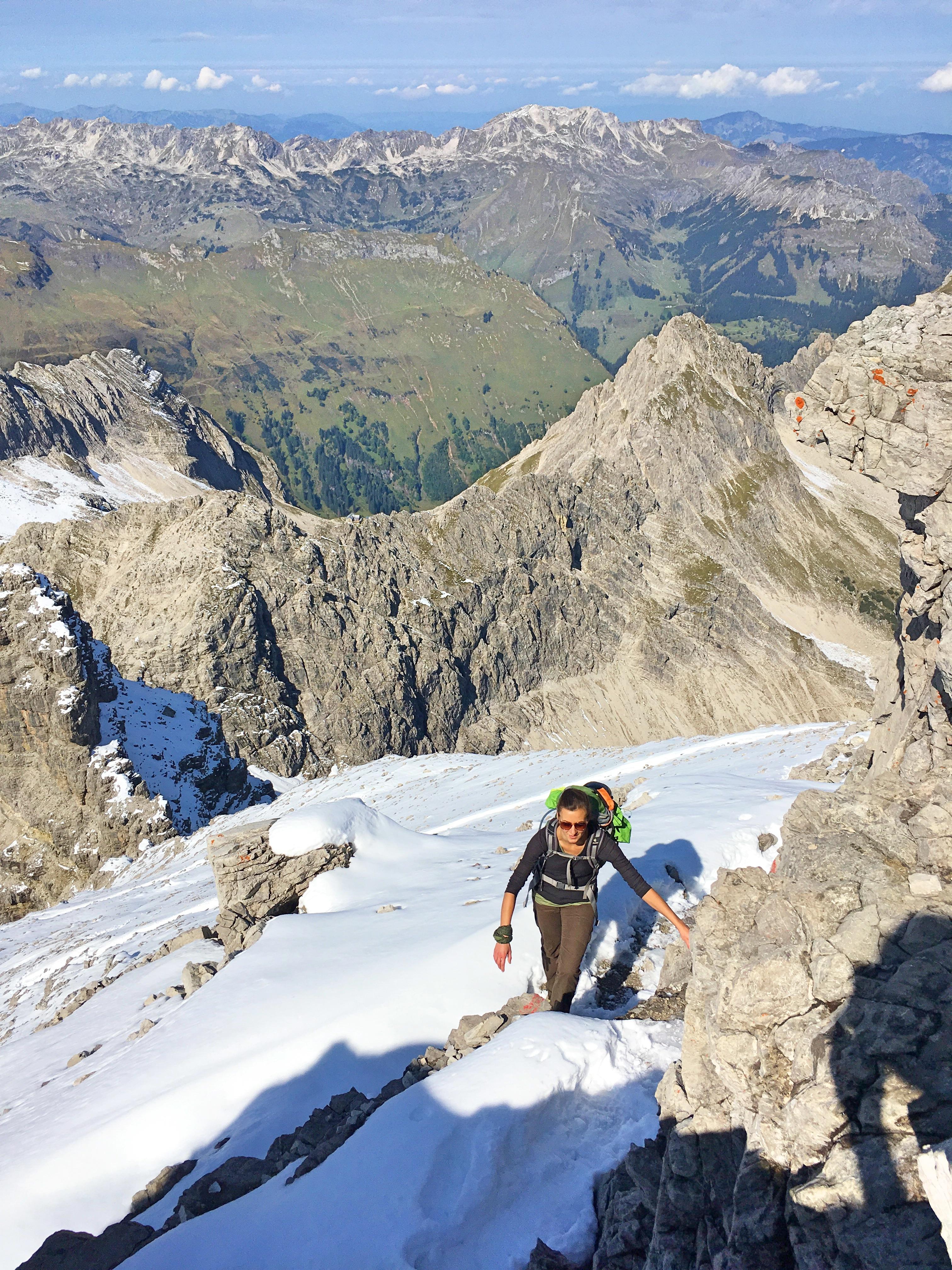 Bergtour Hochvogel: Mit etwas Kraxelei und Schwindelfreiheit erreichen wir den Gipfel.
