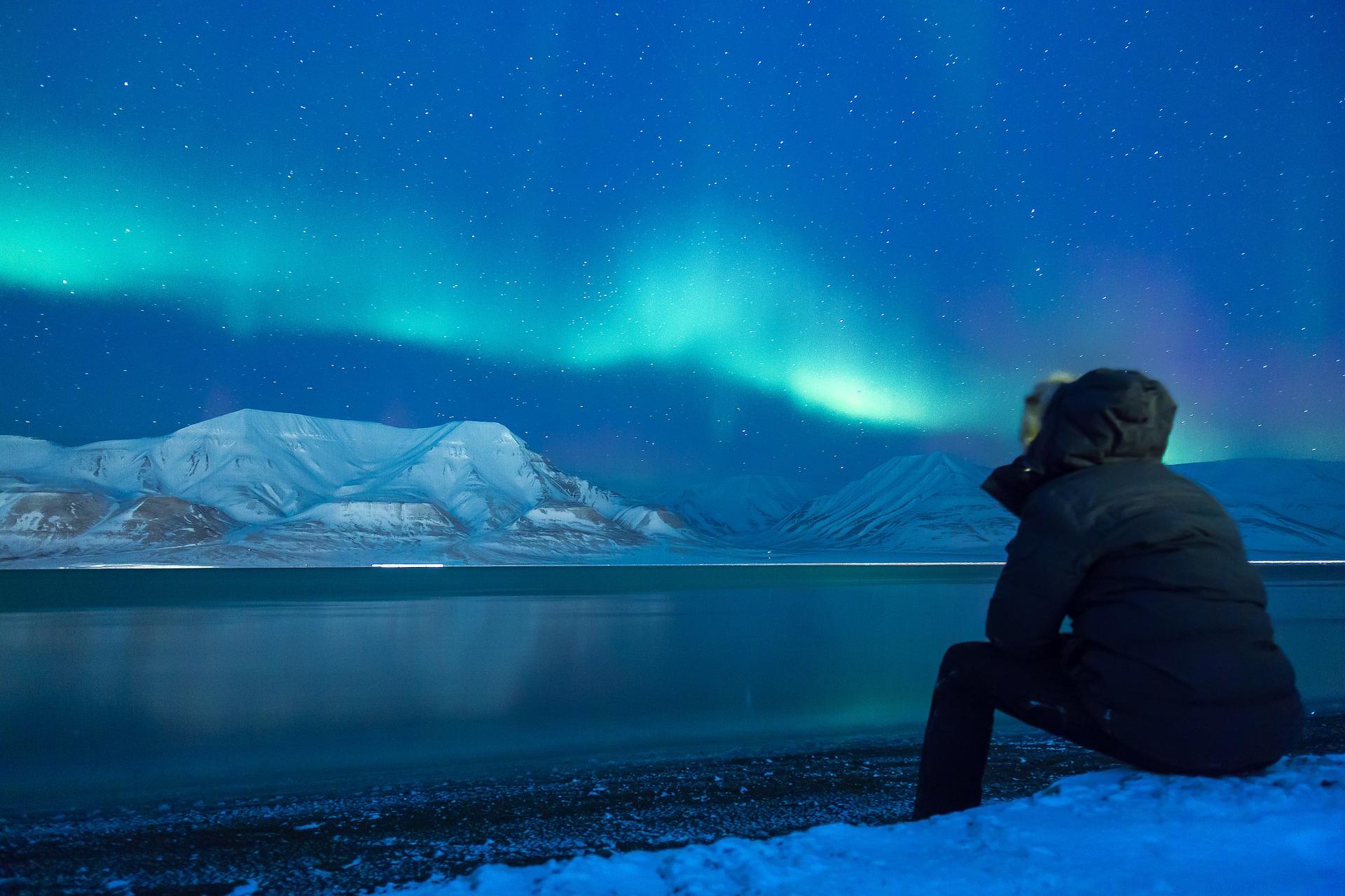 Polarlichter fotografieren: So fängst du das Naturschauspiel mit der Kamera ein.
