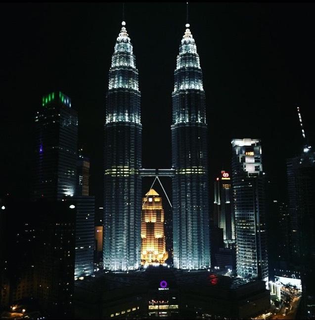 Ausblick auf die Petronas Towers von einer Skybar im 34. Stock
